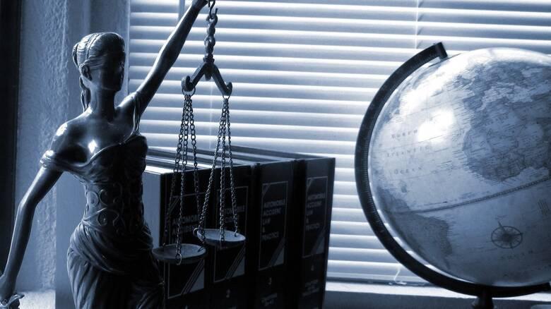 Ποιοι δικηγόροι, μηχανικοί και οικονομολόγοι δικαιούνται το έκτακτο επίδομα