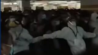 Σκηνές χάους στο αεροδρόμιο της Σιγκαπούρης για το τεστ κορωνοϊού