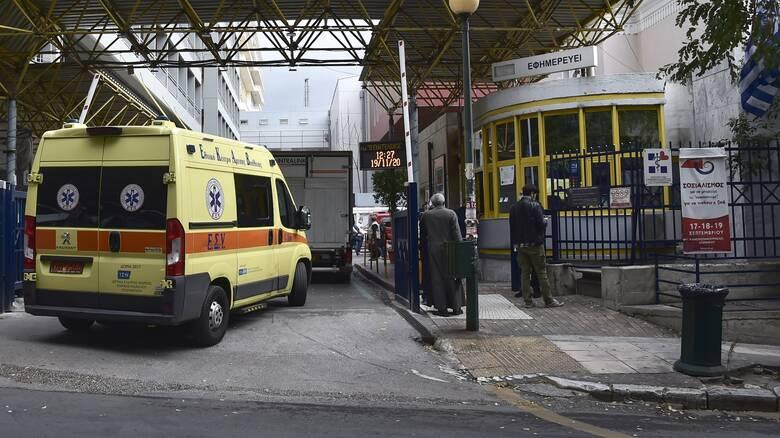 Κορωνοϊός: «Μάχη» για να μείνουν όρθια τα νοσοκομεία - Ανησυχία για Στερεά και Θεσσαλία