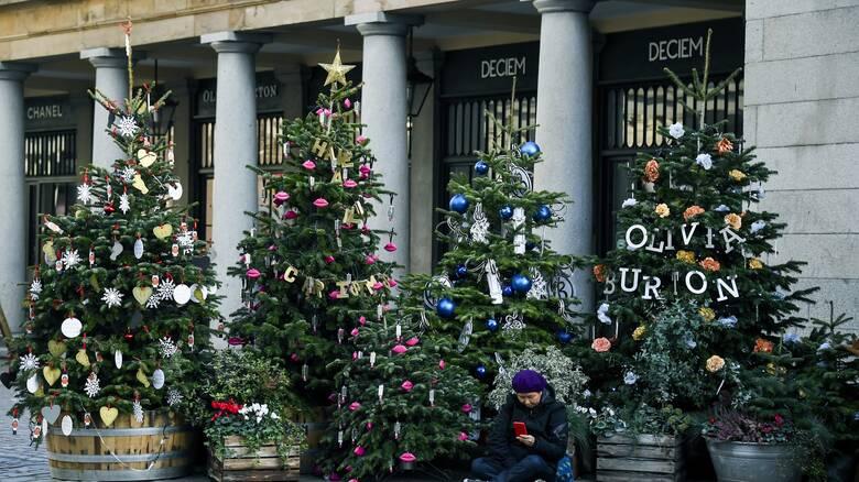 Κορωνοϊός - Ηνωμένο Βασίλειο: Χαλάρωση μέτρων για πέντε ημέρες τα Χριστούγεννα