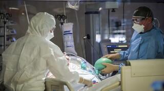 Κορωνοϊός: Νέο σοκ με 597 διασωληνωμένους - 87 θάνατοι και 2.152 κρούσματα