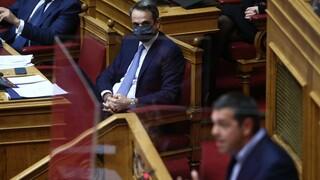 Βουλή: Κόντρα Μητσοτάκη-Τσίπρα για την πανδημία – Οι άξονες των τοποθετήσεών τους