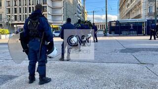 Απεργία: Ισχυρές αστυνομικές δυνάμεις στο κέντρο της Αθήνας προς αποφυγή συγκεντρώσεων
