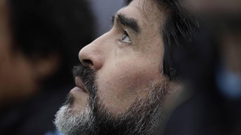 Ντιέγκο Μαραντόνα: Η ζωή του μέσα από 12 φωτογραφίες