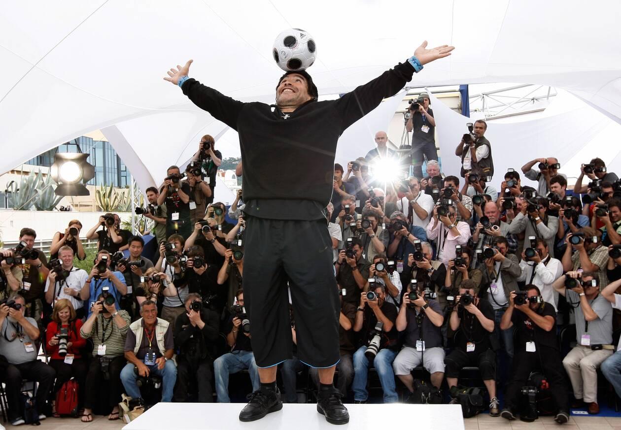https://cdn.cnngreece.gr/media/news/2020/11/26/244402/photos/snapshot/maradona-2008-78.jpg