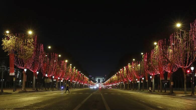 Κορωνοϊός: Κίνδυνος θανάτου για ορισμένους τα Χριστούγεννα