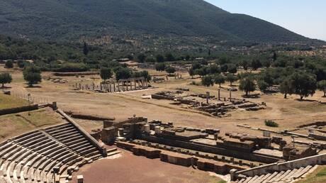 Έργα ανάδειξης του Αρχαίου Θεάτρου Σικυώνας και της Αρχαίας Μεσσήνης ξεκινούν από το ΥΠΠΟΑ