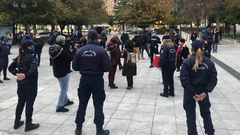 Συγγνώμη Χρυσοχοΐδη για τη σύλληψη γυναικών στο Σύνταγμα την παγκόσμια ημέρα εξάλειψης της βίας