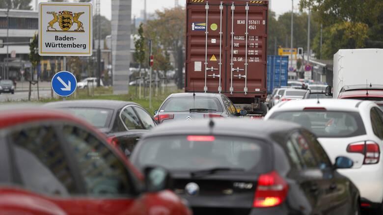 Γερμανία: Η πανδημία κατέστησε το αυτοκίνητο ως το δημοφιλέστερο μέσο μεταφοράς