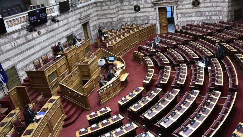 Βουλή - Επιτροπή Οικονομικών: Υπερψηφίστηκε το νομοσχέδιο για την πάταξη του λαθρεμπορίου