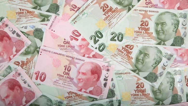 Τουρκία: Ισορροπίες «λεπτού πάγου» στην οικονομία – Υπό πίεση η τουρκική λίρα