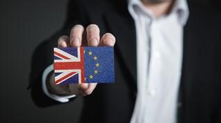 Brexit: «Σκληρό πόκερ» ΕΕ - Βρετανίας για μια συμφωνία