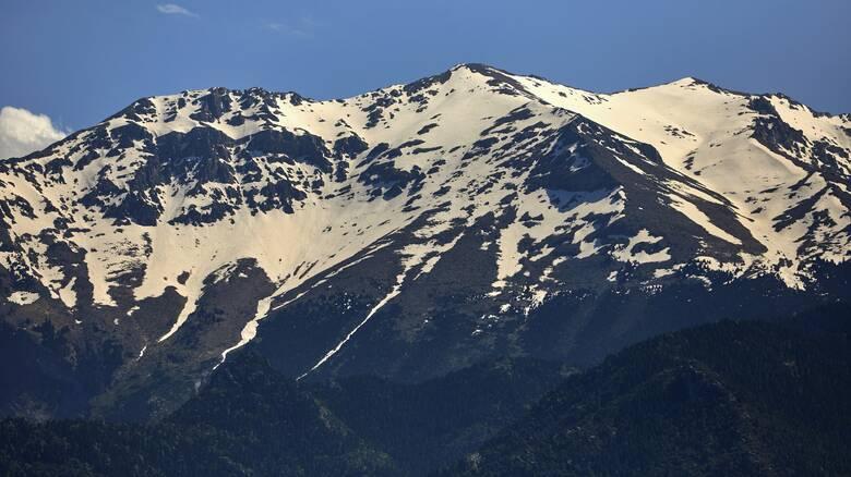 Καιρός: Απότομη πτώση θερμοκρασίας, βροχές κατά τόπους και χιόνια στα βόρεια ορεινά