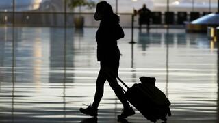 Νέοι κανόνες στις πτήσεις; Υποχρεωτικός εμβολιασμός, «διαβατήρια» εμβολιασμού και πάσο υγείας