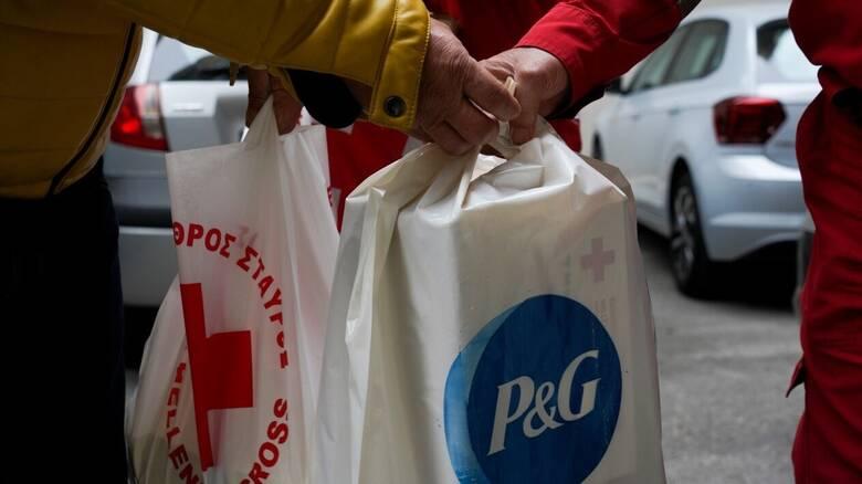 P&G: Στηρίζει τον Ερυθρό Σταυρό και προσφέρουν φροντίδα και υγιεινή στους άστεγους συνανθρώπους μας