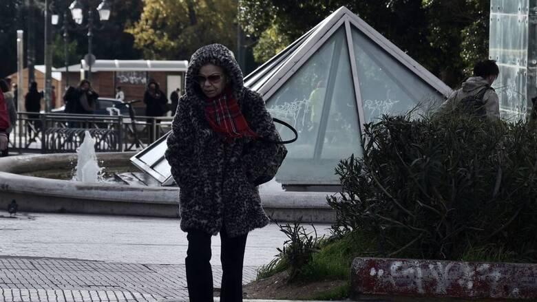 Καιρός: Με νεφώσεις, κρύο και βροχές η πρώτη μέρα του Δεκεμβρίου