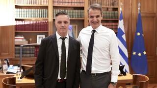 Ολοκλήρωσε το έργο του ο επικεφαλής δημιουργικού της Ελλάδας, Στιβ Βρανάκης