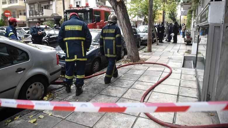 Θεσσαλονίκη: Τα αίτια της φωτιάς που κόστισε τη ζωή στον 16χρονο αναζητά η Πυροσβεστική