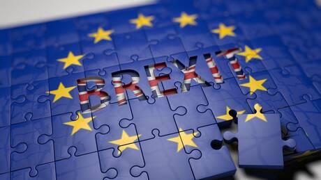 Brexit: Διαπραγμάτευση «επί ξυρού ακμής» - Αυστηρό μήνυμα Μακρόν