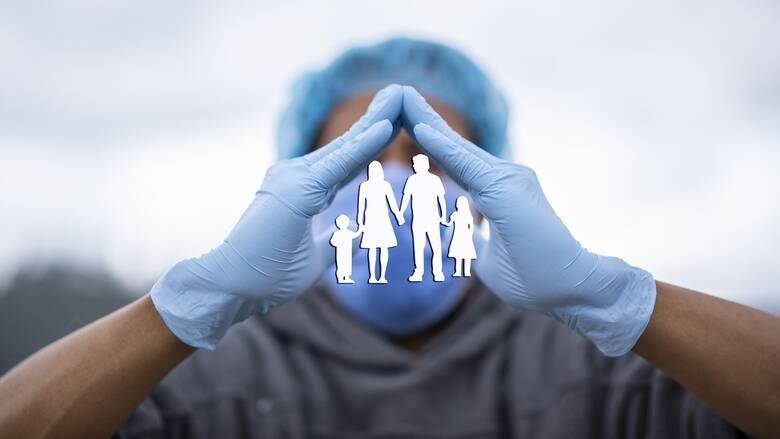 Κορωνοϊός: Κατά τη διάρκεια του lockdown η εξάπλωση γίνεται κυρίως μέσα στις οικογένειες