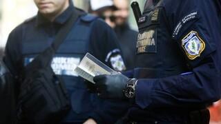 Νεκρός και τρίτος αστυνομικός που νόσησε από κορωνοϊό