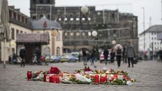 «Έχουμε συγκλονιστεί»: Σε σοκ η οικογένεια του Έλληνα που σκοτώθηκε με το μωρό του στη Γερμανία