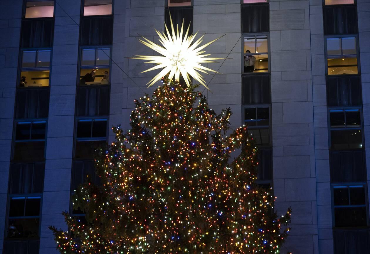 https://cdn.cnngreece.gr/media/news/2020/12/03/245383/photos/snapshot/tree2.jpg