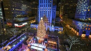 Νέα Υόρκη: Το πιο διάσημο χριστουγεννιάτικο δέντρο του κόσμου άναψε και φέτος (pics)