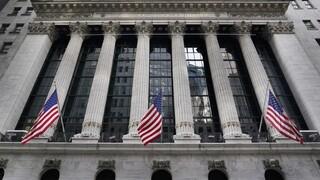 Οι ΗΠΑ «διώχνουν» τις κινεζικές εταιρείες από τη Wall Street