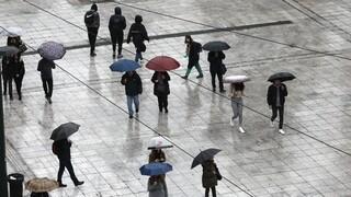 Καιρός: Ισχυρή κακοκαιρία πλήττει την Αττική – Πού αλλού «χτυπάνε» τα έντονα φαινόμενα