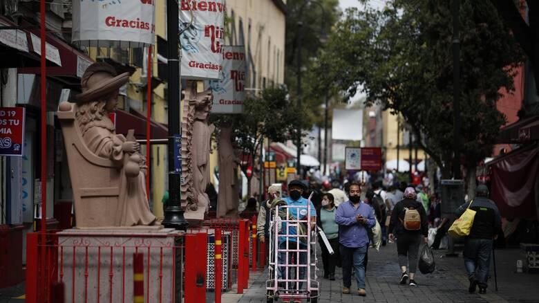 Κορωνοϊός: Όχι στις ανταλλαγές δώρων λέει ο πρόεδρος του Μεξικού
