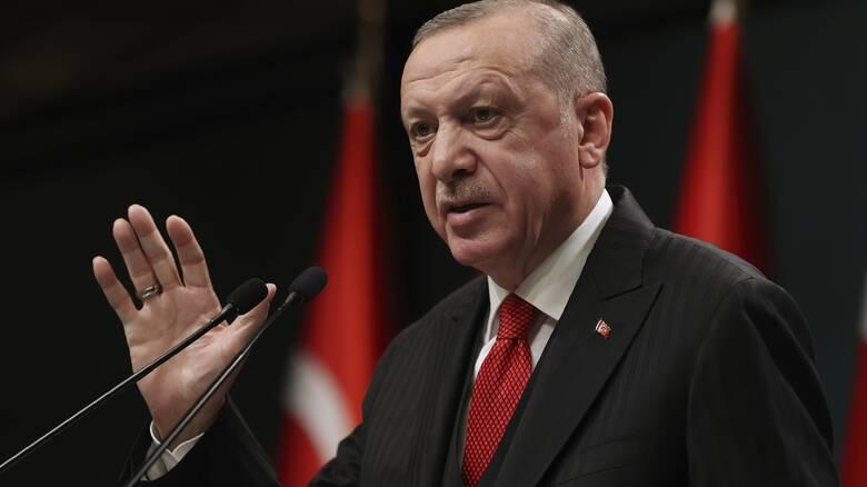 Σάλος στην Τουρκία: Η αντιπολίτευση κατηγορεί τον Ερντογάν ότι οι γιοι του δεν έχουν πάει στο στρατό