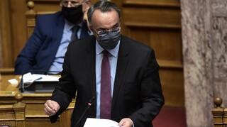 Σταϊκούρας: Eπιστρεπτέα προκαταβολή και το 2021 – Έρχεται παράταση για τα τέλη κυκλοφορίας