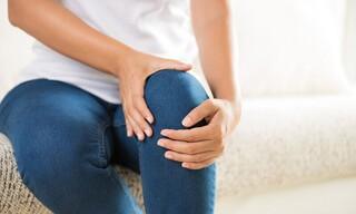 Οστεοαρθρίτιδα στα γόνατα: Απλές και χρήσιμες συμβουλές για την ανακούφιση από τα συμπτώματά της