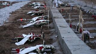 Κορωνοϊός: Τα νεκροταφεία, οι ισχυρισμοί για fake news και το μήνυμα από τον Εύοσμο