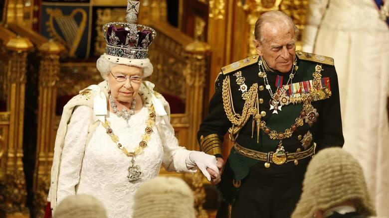 Η βασίλισσα Ελισάβετ και ο Φίλιππος ετοιμάζονται να εμβολιαστούν