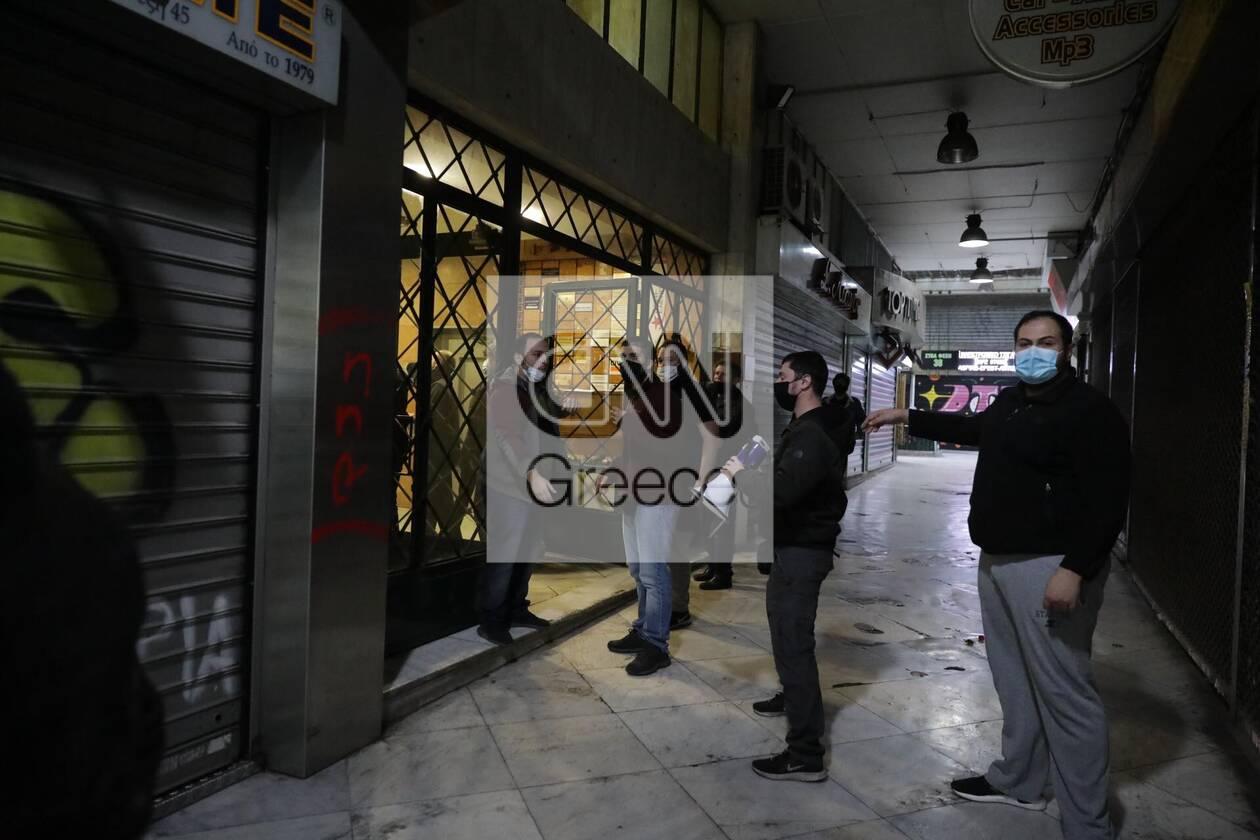 https://cdn.cnngreece.gr/media/news/2020/12/06/245774/photos/snapshot/astynomia---stoa.jpg