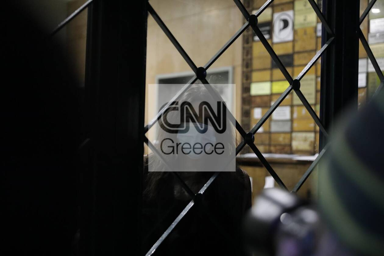 https://cdn.cnngreece.gr/media/news/2020/12/06/245792/photos/snapshot/astynomia-stoa-4.jpg