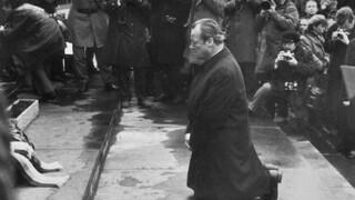 50 χρόνια από τη γονυκλισία του Βίλι Μπραντ στη Βαρσοβία