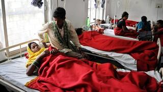 Ινδία: Εκατοντάδες στο νοσοκομείο εξαιτίας «μυστηριώδους» ασθένειας