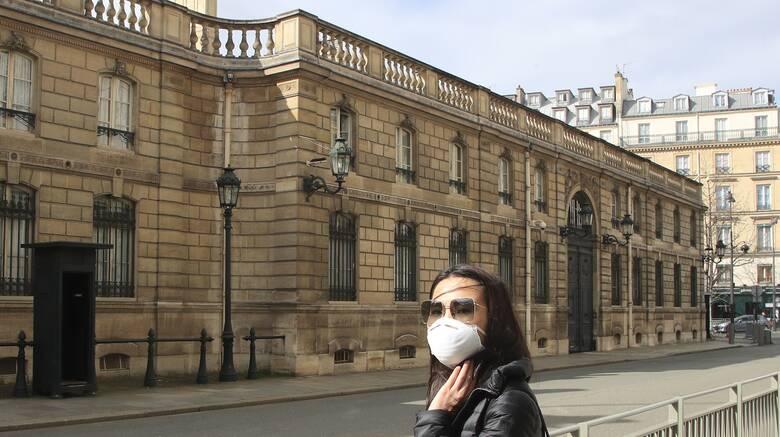 Γαλλία: Απίθανο να μειωθούν σε 5.000 τα κρούσματα που καταγράφονται ημερησίως ως τις 15 Δεκεμβρίου