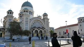 Κορωνοϊός: Στο τέλος της εβδομάδας οι ανακοινώσεις για εκκλησίες, κομμωτήρια, λιανεμπόριο