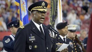 ΗΠΑ: Ο Μπάιντεν επέλεξε για υπουργό Άμυνας τον Λόιντ Όστιν