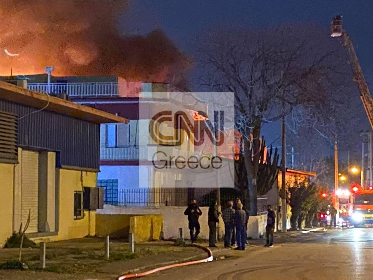 https://cdn.cnngreece.gr/media/news/2020/12/08/246138/photos/snapshot/mosxato-2.jpg