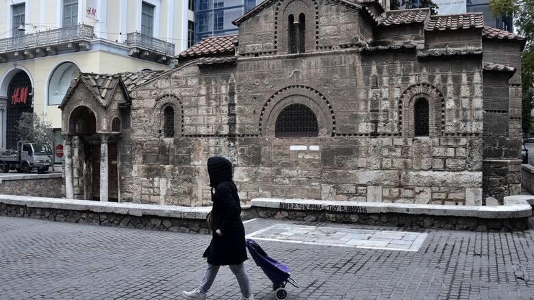 Lockdown: Τι θα γίνει με τις εκκλησίες – Το σχέδιο για το ωράριο και την επανένωση οικογενειών