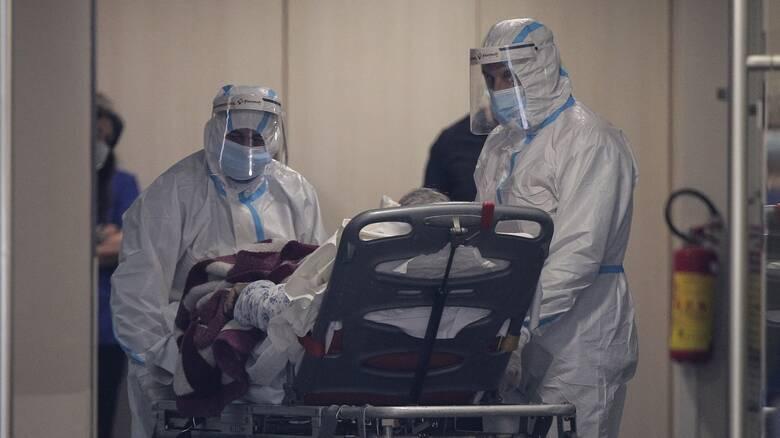 Κορωνοϊός: Ανησυχία Τσιόδρα για δυτική Αττική - Οι εισαγωγές ασθενών σχεδόν ίσες με τα εξιτήρια