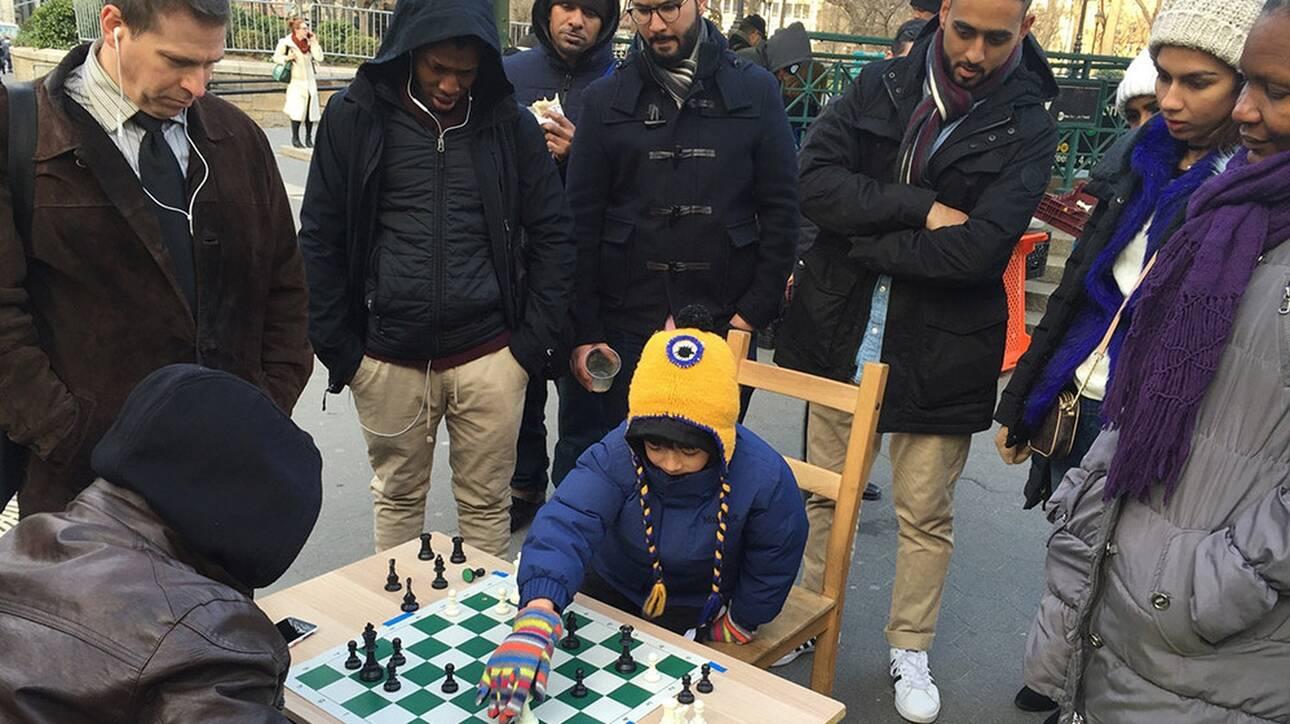 Ο 10χρονος σκακιστής που κέρδισε τη Μπεθ Χάρμον του Queen's Gambit