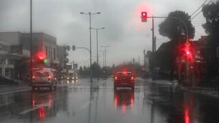 Καιρός: Βροχές και καταιγίδες προβλέπονται την Παρασκευή - Πού θα χιονίσει
