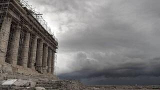 Κακοκαιρία: Πλημμύρισε η Ακρόπολη από την καταιγίδα - Τι απαντά η Μενδώνη