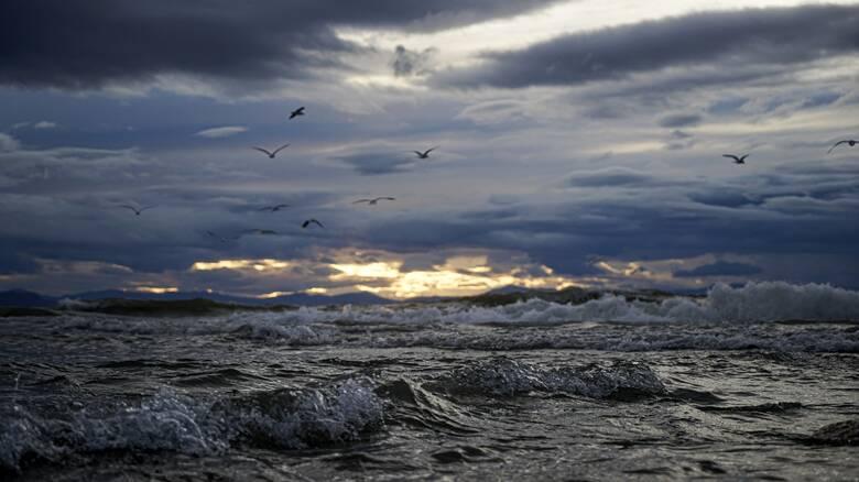 Καιρός: Καταιγίδες και χαλαζοπτώσεις σήμερα - Μέχρι 9 μποφόρ οι άνεμοι στο Αιγαίο